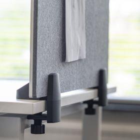 Écran de séparation combiné tableau blanc / tableau d'affichage - Inclus pinces pour bureau individuel - 58 x 160 cm